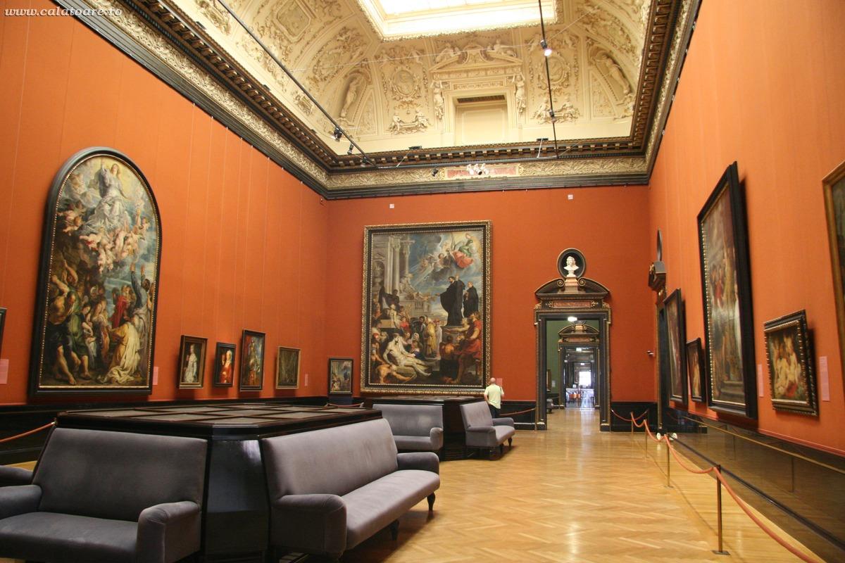 Imagini pentru Sculpturi din kunsthistorisches museum viena